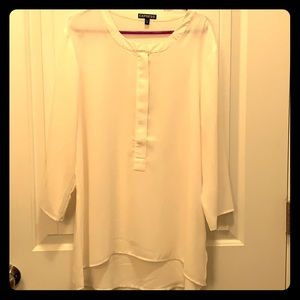 Express Quarter Sleeve Blouse that zips in front